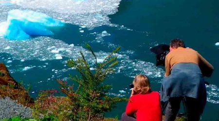 La-laguna-San-Rafael-y-su-glaciar-scaled